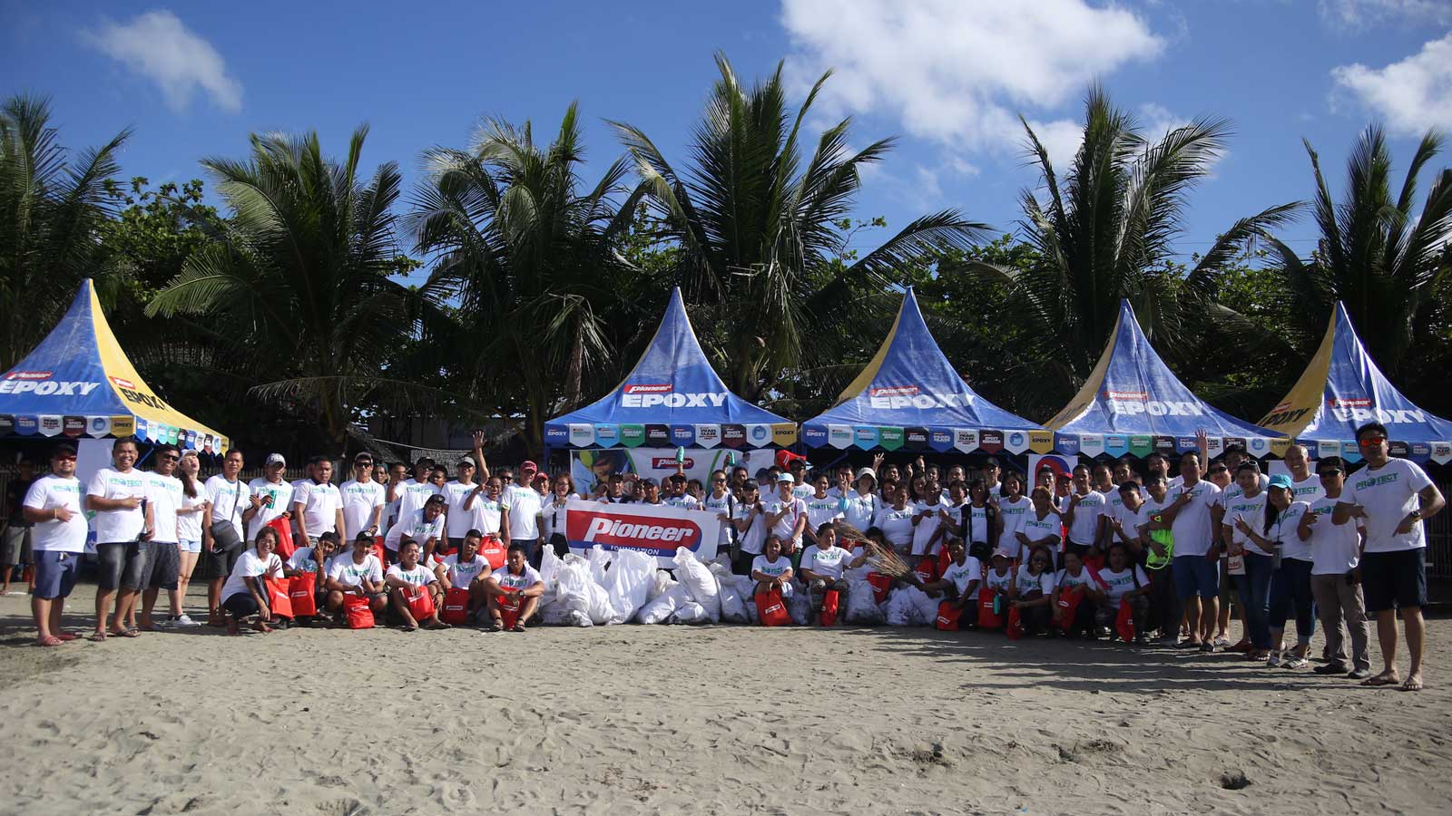 Pioneer hosts beach clean-up event in Iloilo City