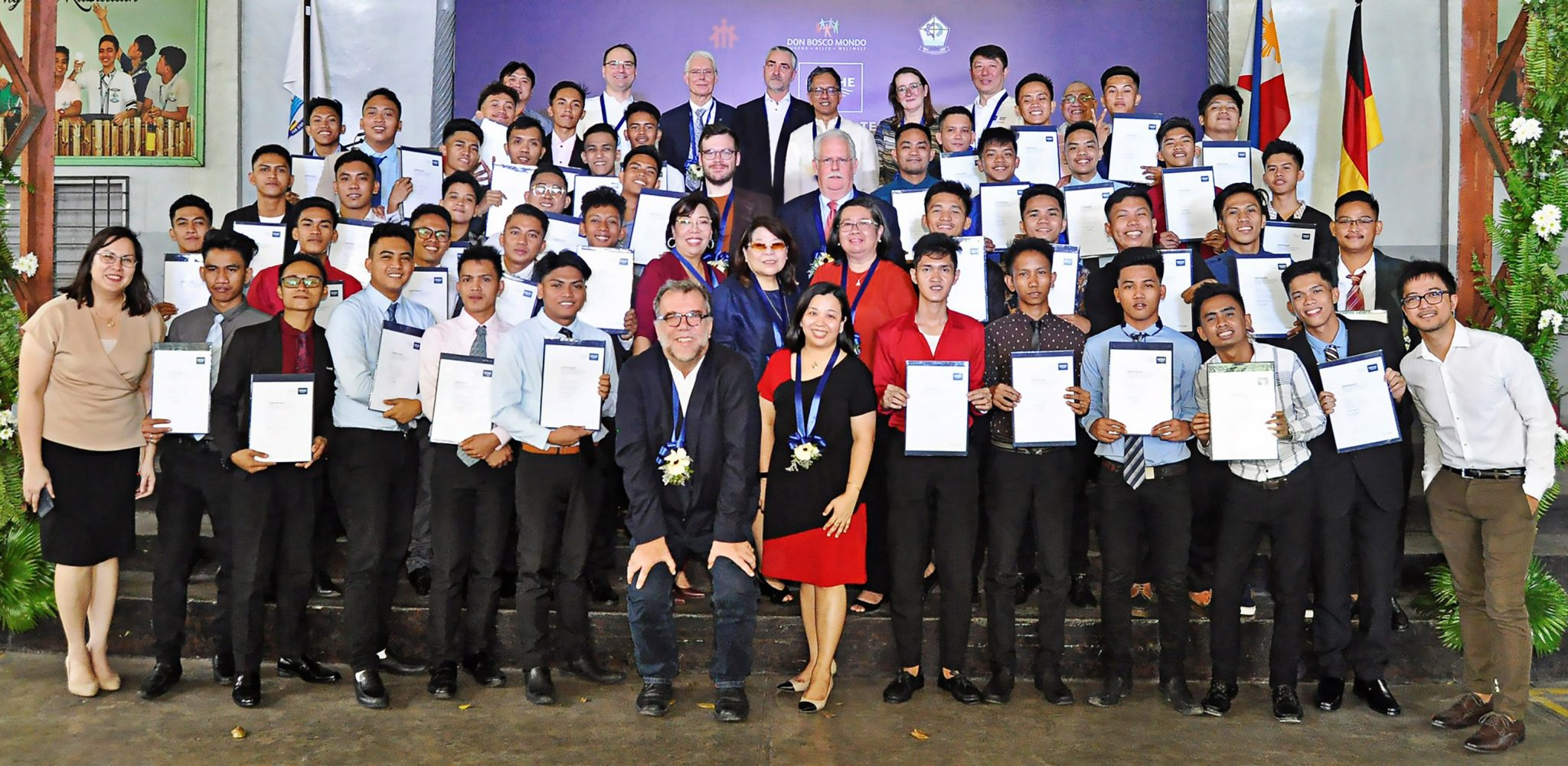 GROHE Dual Tech honors its first internationally certified students